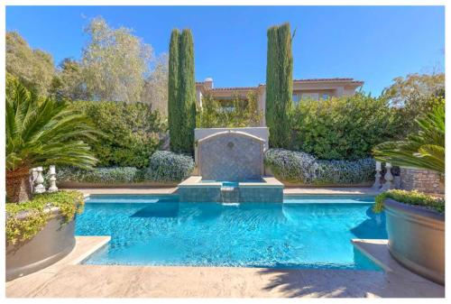 Real estate photographer serving Henderson, Nevada.